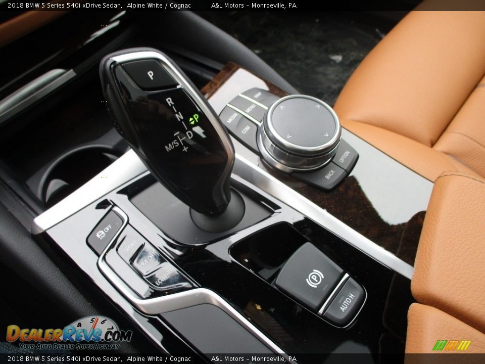 2018 BMW 5 Series 540i xDrive Sedan Shifter Photo #15