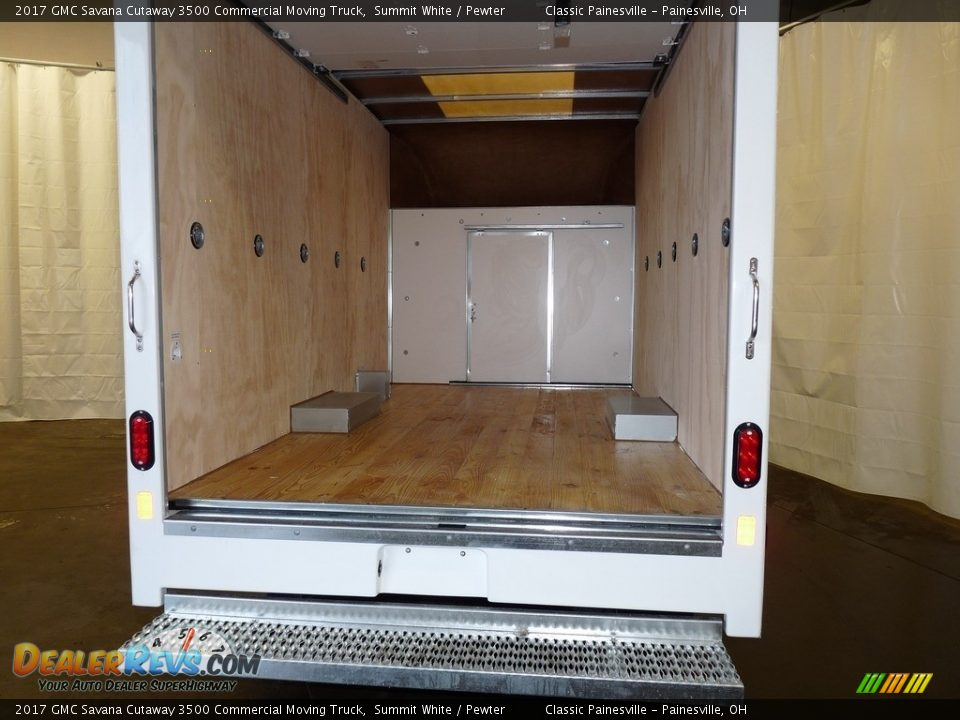 2017 GMC Savana Cutaway 3500 Commercial Moving Truck Summit White / Pewter Photo #7