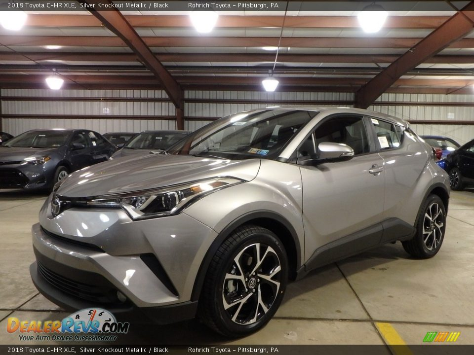 Front 3/4 View of 2018 Toyota C-HR XLE Photo #4