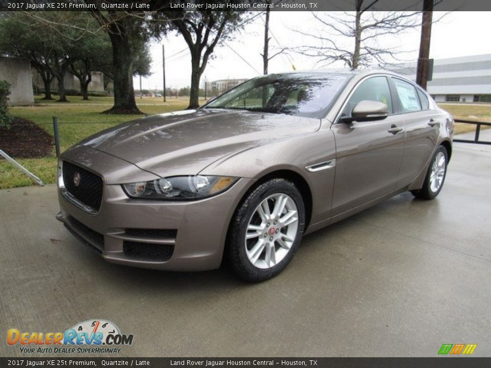 Front 3/4 View of 2017 Jaguar XE 25t Premium Photo #10