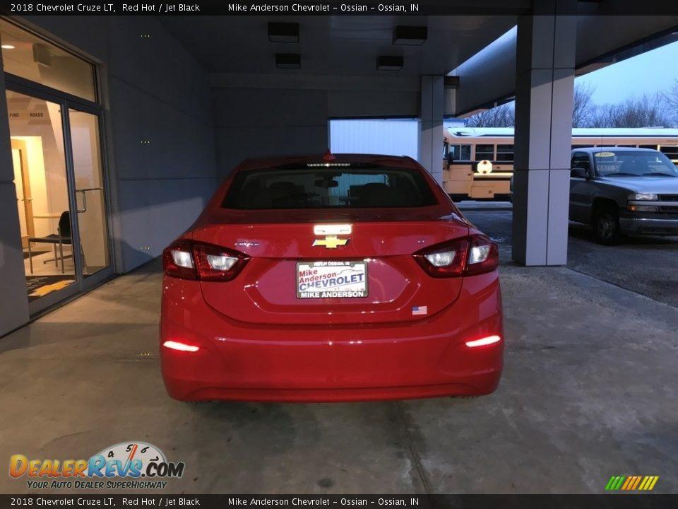 2018 Chevrolet Cruze LT Red Hot / Jet Black Photo #4