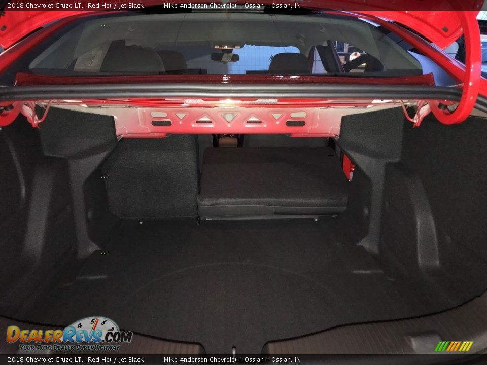2018 Chevrolet Cruze LT Red Hot / Jet Black Photo #11
