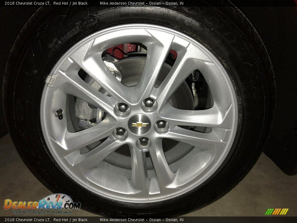 2018 Chevrolet Cruze LT Red Hot / Jet Black Photo #27