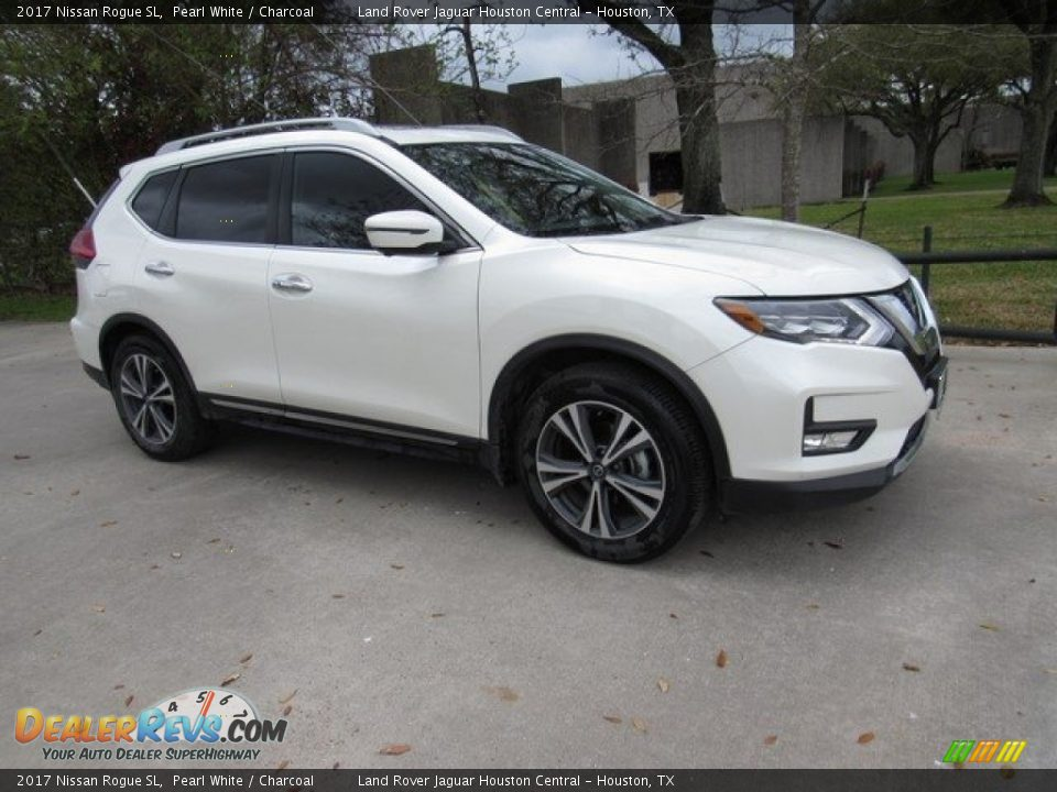 2017 Nissan Rogue SL Pearl White / Charcoal Photo #1