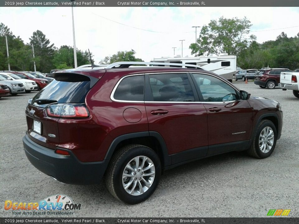 2019 Jeep Cherokee Latitude Velvet Red Pearl / Black Photo #5