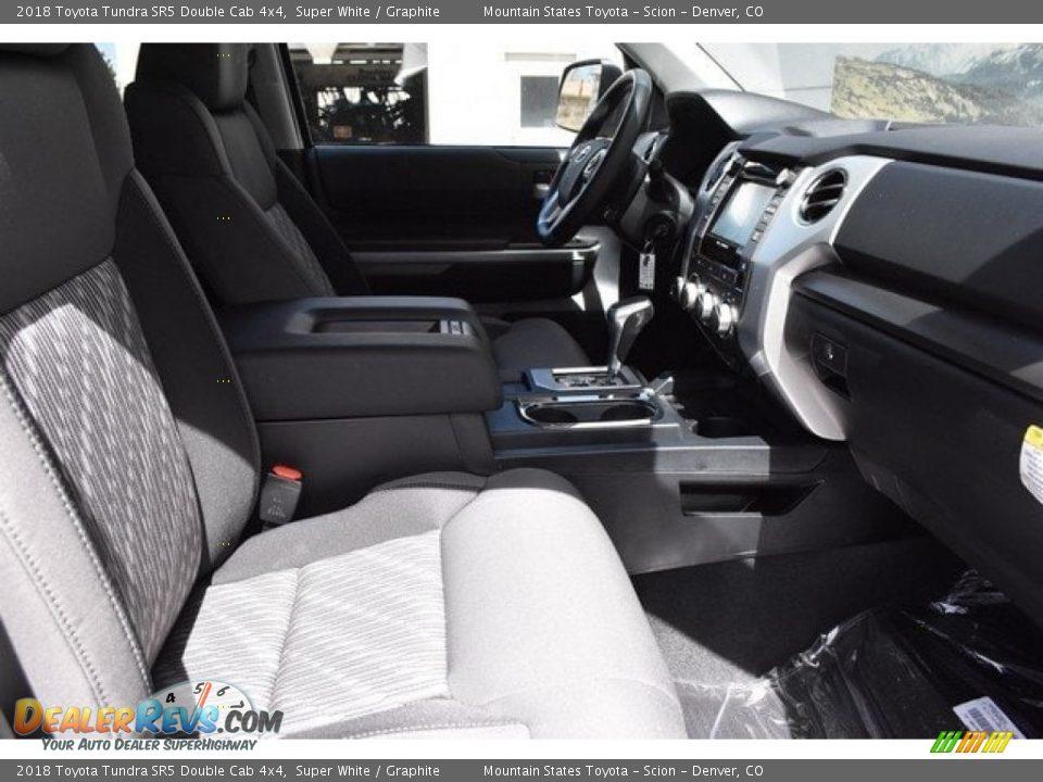 2018 Toyota Tundra SR5 Double Cab 4x4 Super White / Graphite Photo #11