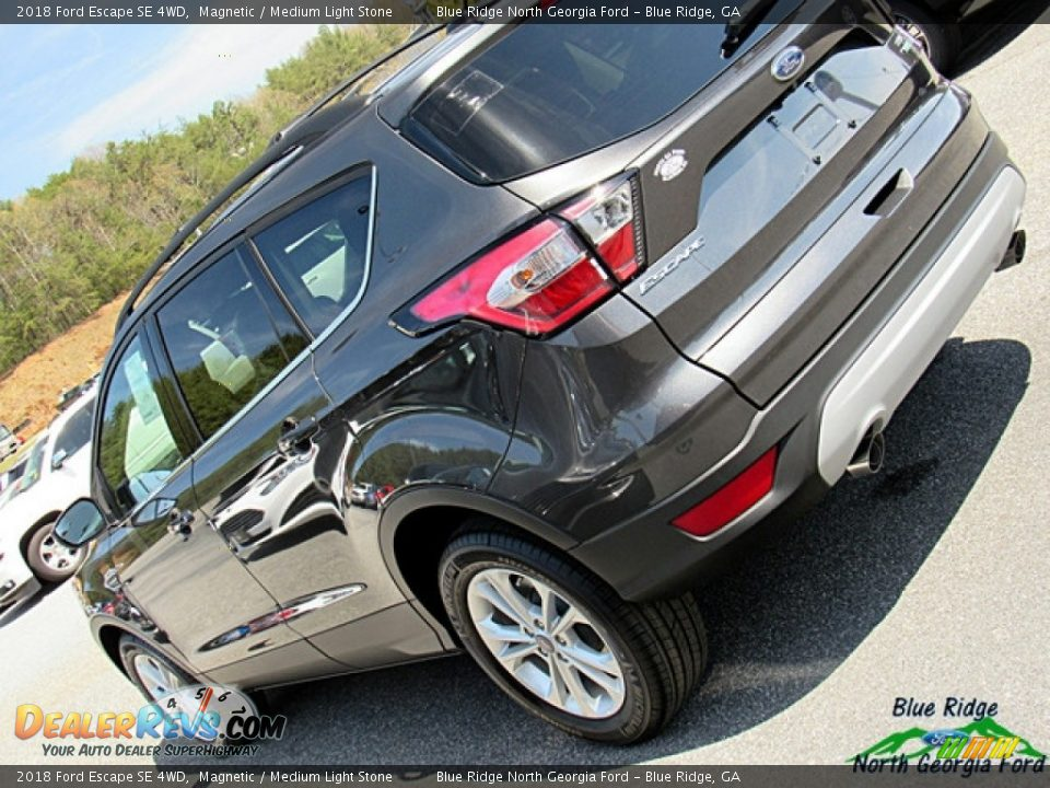 2018 Ford Escape SE 4WD Magnetic / Medium Light Stone Photo #30