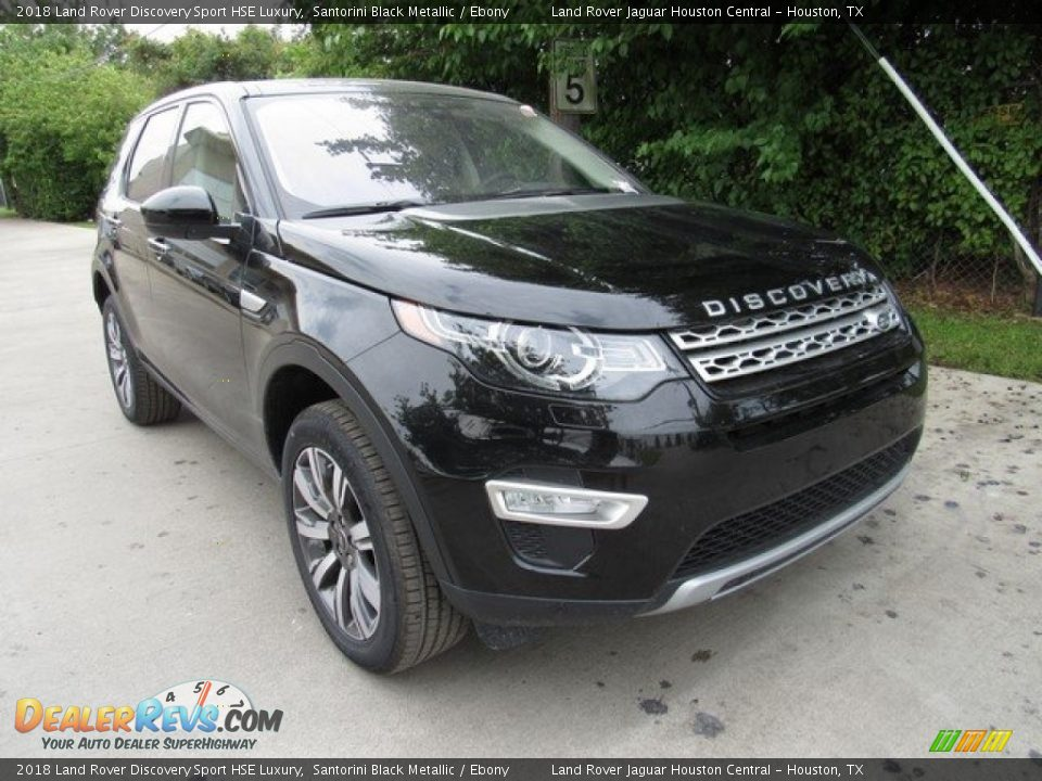 Front 3/4 View of 2018 Land Rover Discovery Sport HSE Luxury Photo #2