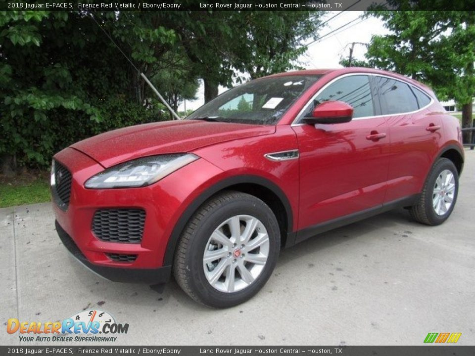 Front 3/4 View of 2018 Jaguar E-PACE S Photo #10