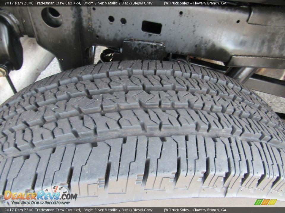 2017 Ram 2500 Tradesman Crew Cab 4x4 Bright Silver Metallic / Black/Diesel Gray Photo #35