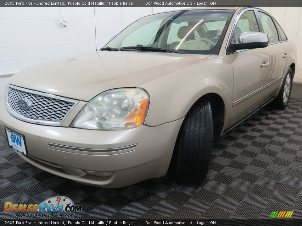 2005 Ford Five Hundred Limited Pueblo Gold Metallic / Pebble Beige Photo #6