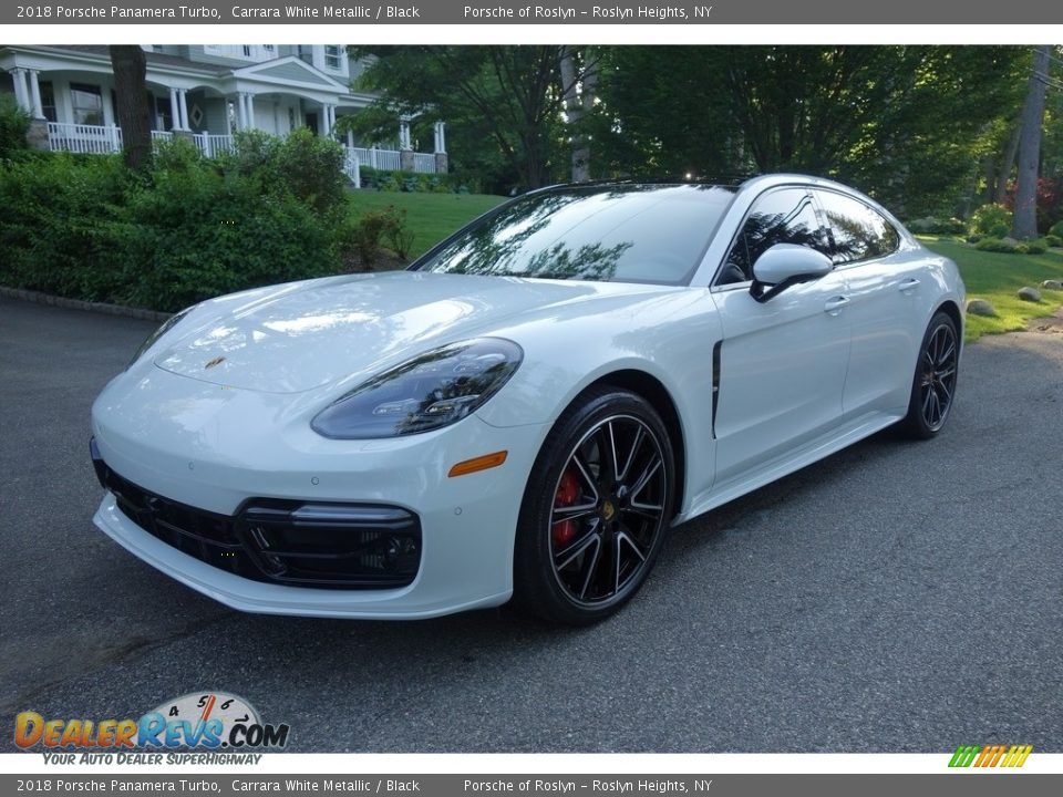 Front 3/4 View of 2018 Porsche Panamera Turbo Photo #1