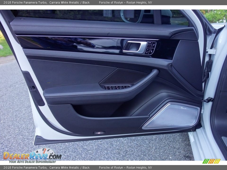 Door Panel of 2018 Porsche Panamera Turbo Photo #11