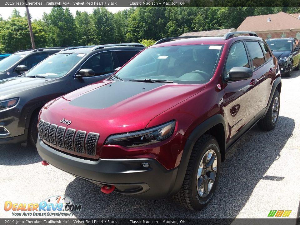 2019 Jeep Cherokee Trailhawk 4x4 Velvet Red Pearl / Black Photo #1