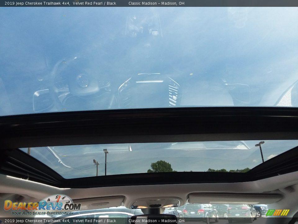 2019 Jeep Cherokee Trailhawk 4x4 Velvet Red Pearl / Black Photo #7