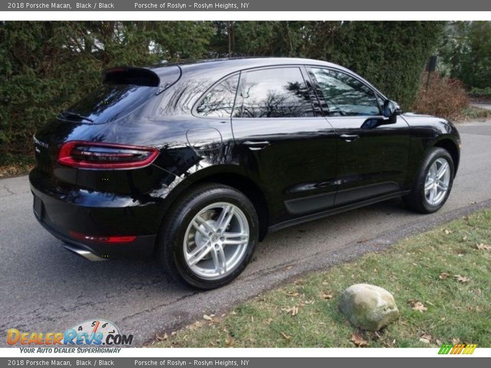 2018 Porsche Macan Black / Black Photo #7