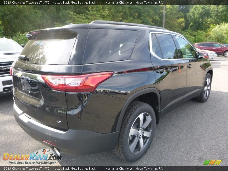 2019 Chevrolet Traverse LT AWD Mosaic Black Metallic / Jet Black Photo #4