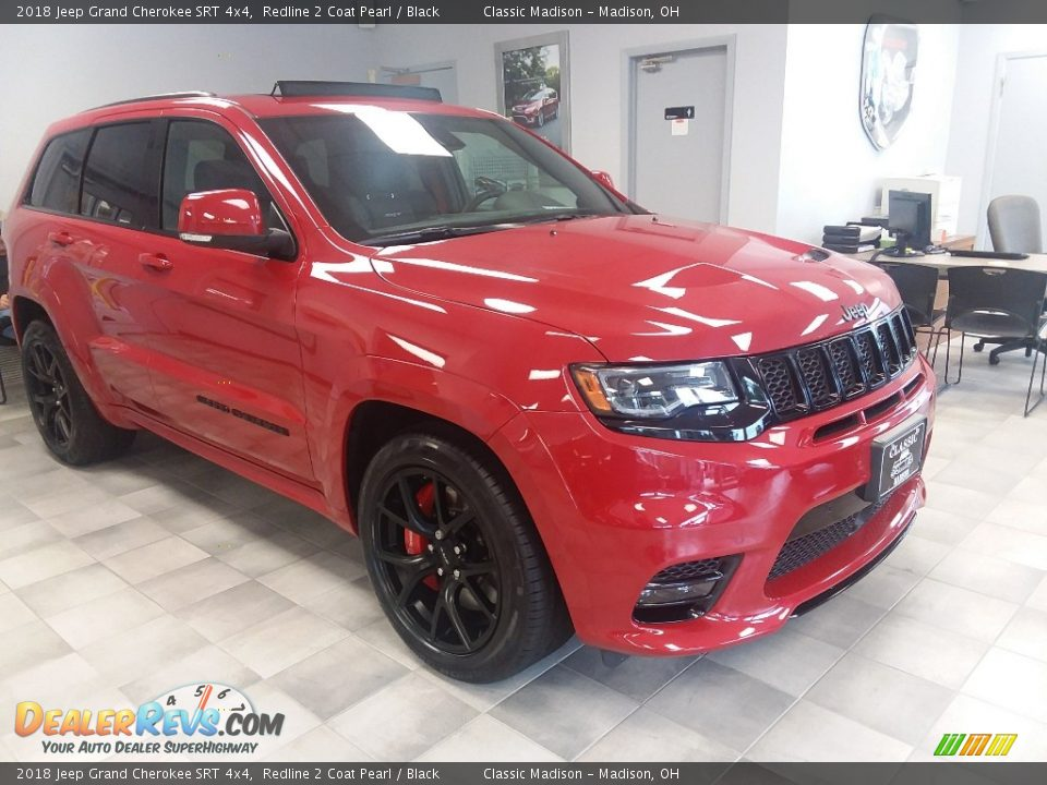 Front 3/4 View of 2018 Jeep Grand Cherokee SRT 4x4 Photo #2