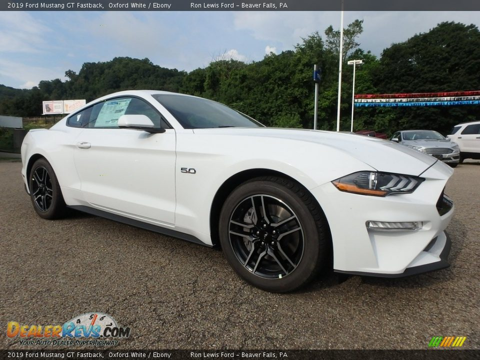 Oxford White 2019 Ford Mustang GT Fastback Photo #9