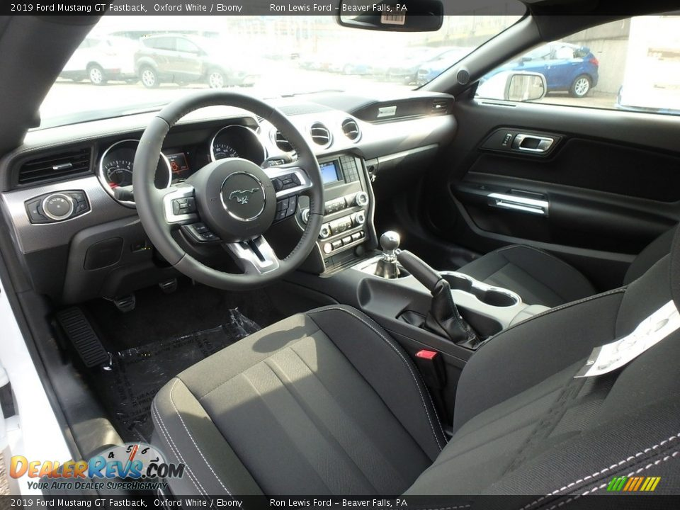 Ebony Interior - 2019 Ford Mustang GT Fastback Photo #13