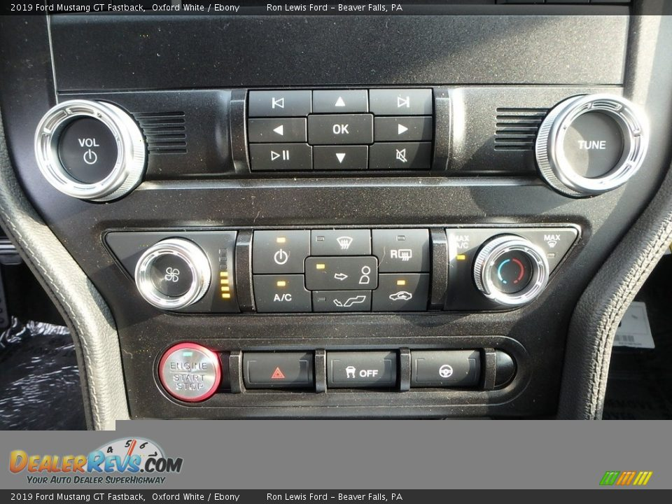Controls of 2019 Ford Mustang GT Fastback Photo #19