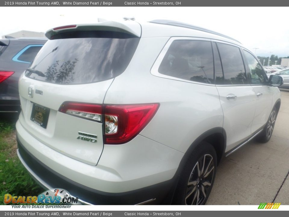 2019 Honda Pilot Touring AWD White Diamond Pearl / Beige Photo #3