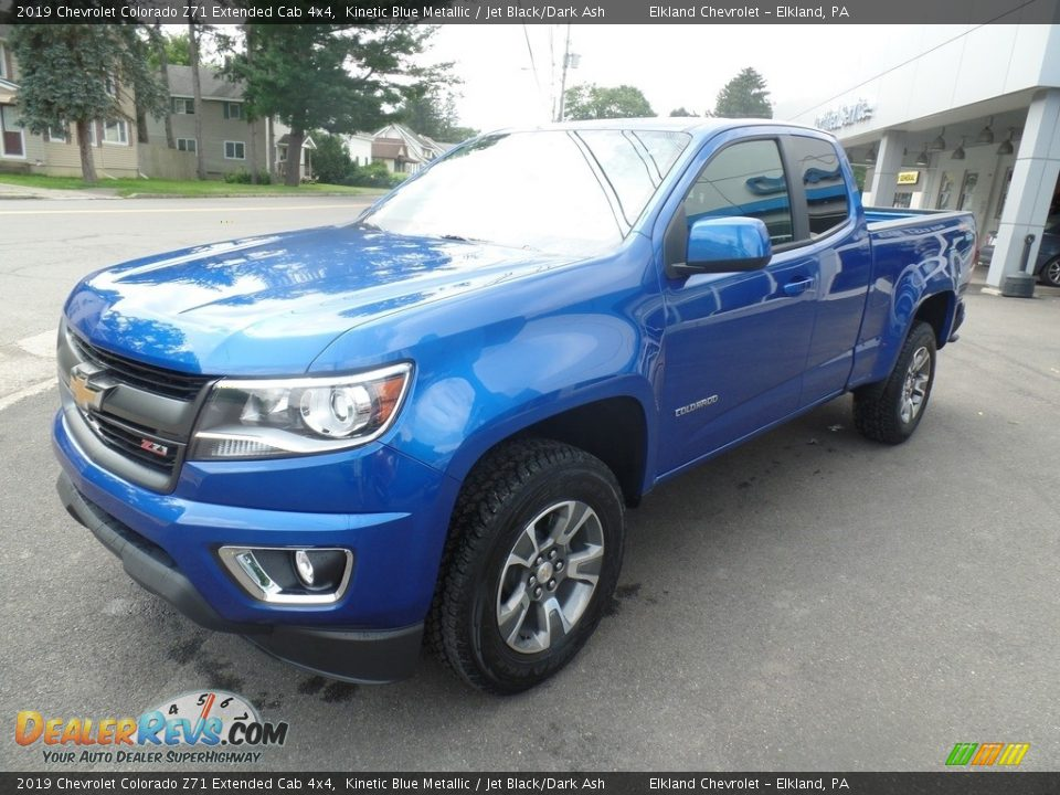 Front 3/4 View of 2019 Chevrolet Colorado Z71 Extended Cab 4x4 Photo #1