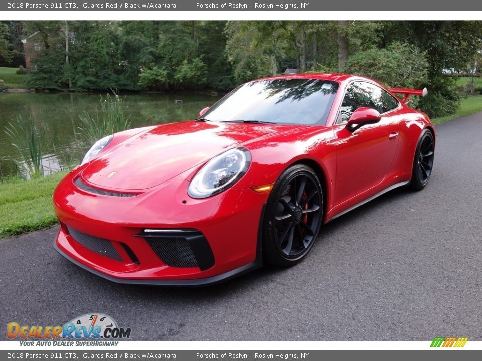 Front 3/4 View of 2018 Porsche 911 GT3 Photo #1