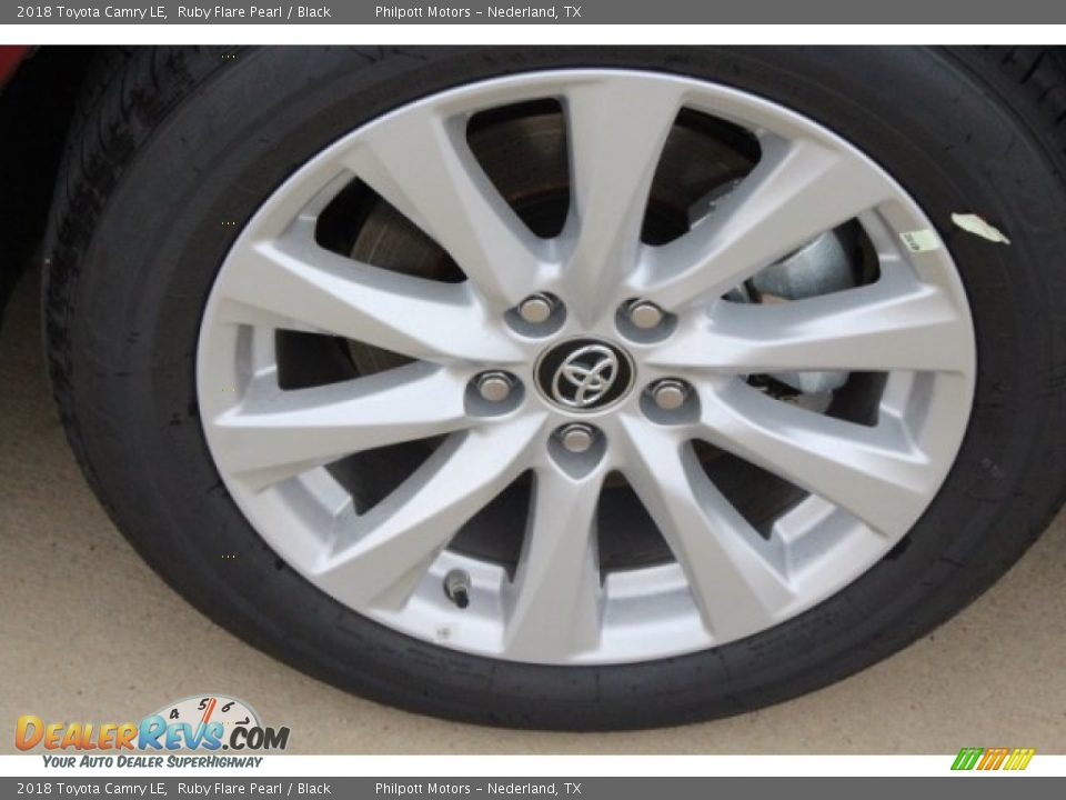 2018 Toyota Camry LE Ruby Flare Pearl / Black Photo #10
