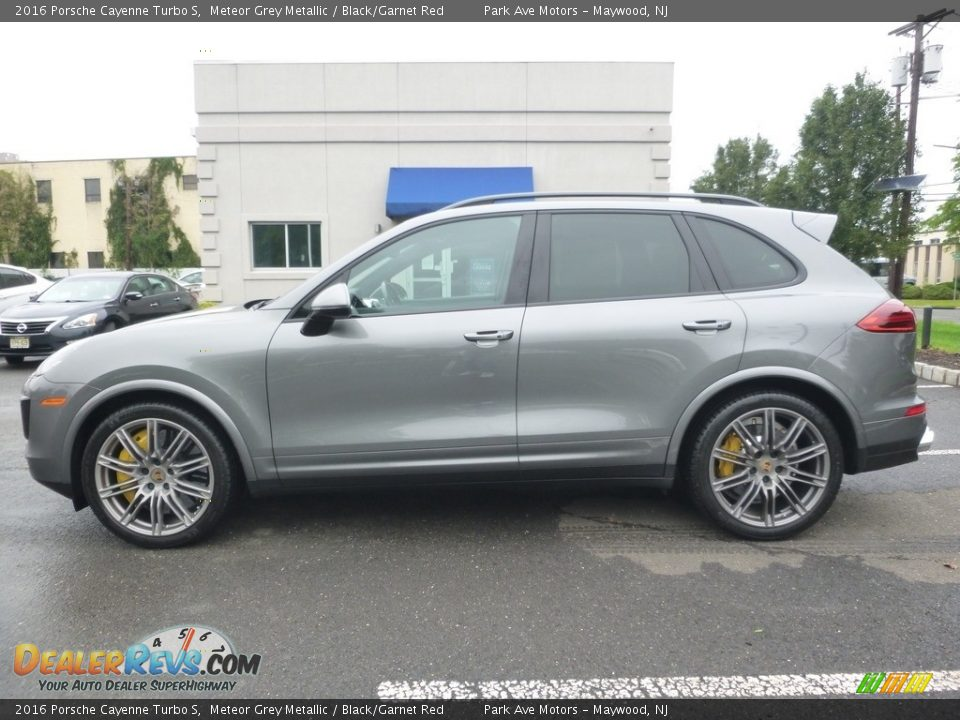 Meteor Grey Metallic 2016 Porsche Cayenne Turbo S Photo #2