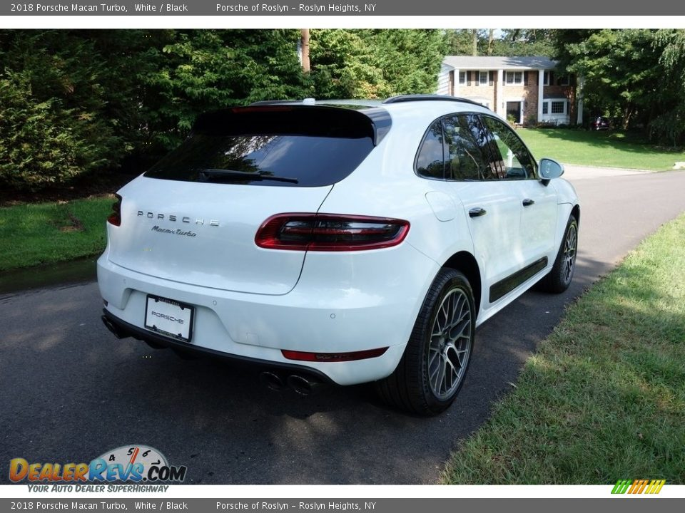 2018 Porsche Macan Turbo White / Black Photo #4