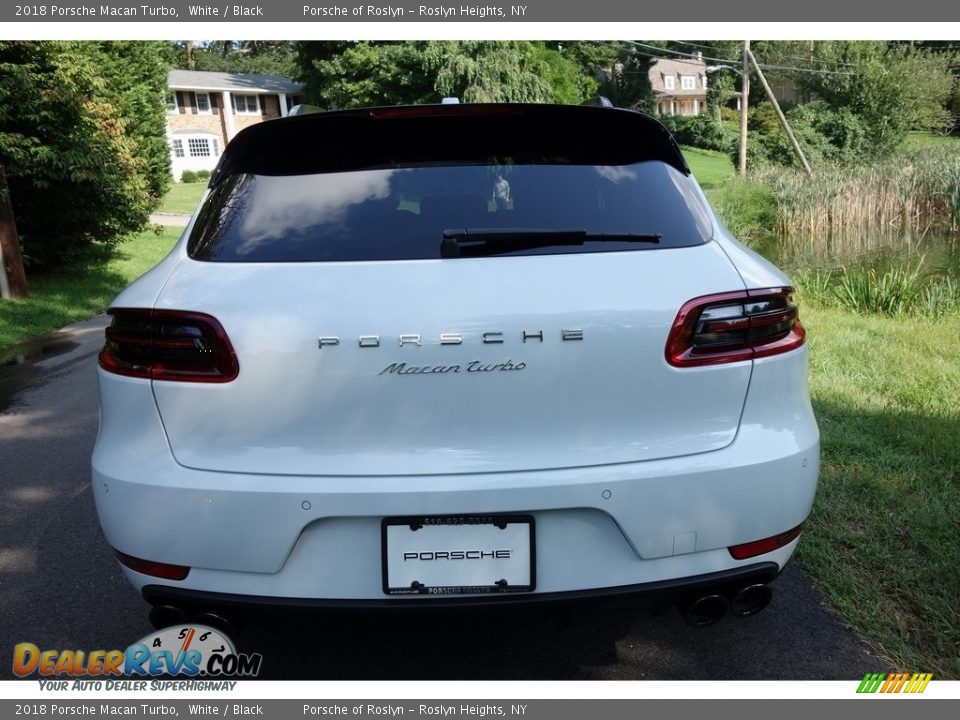 2018 Porsche Macan Turbo White / Black Photo #5