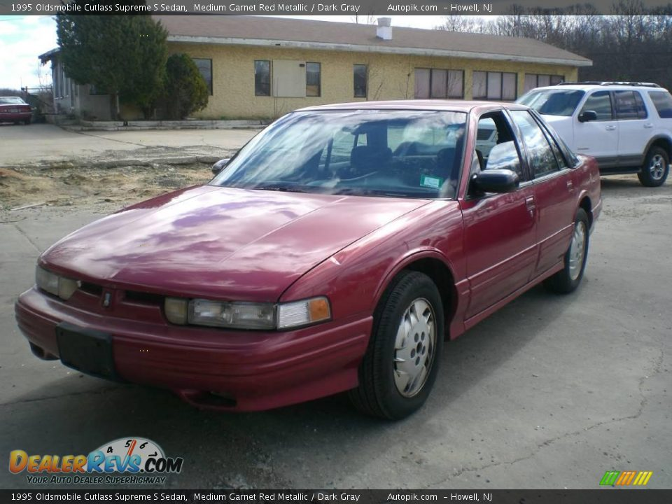 1995 Oldsmobile Cutlass Supreme S Sedan Medium Garnet Red ...