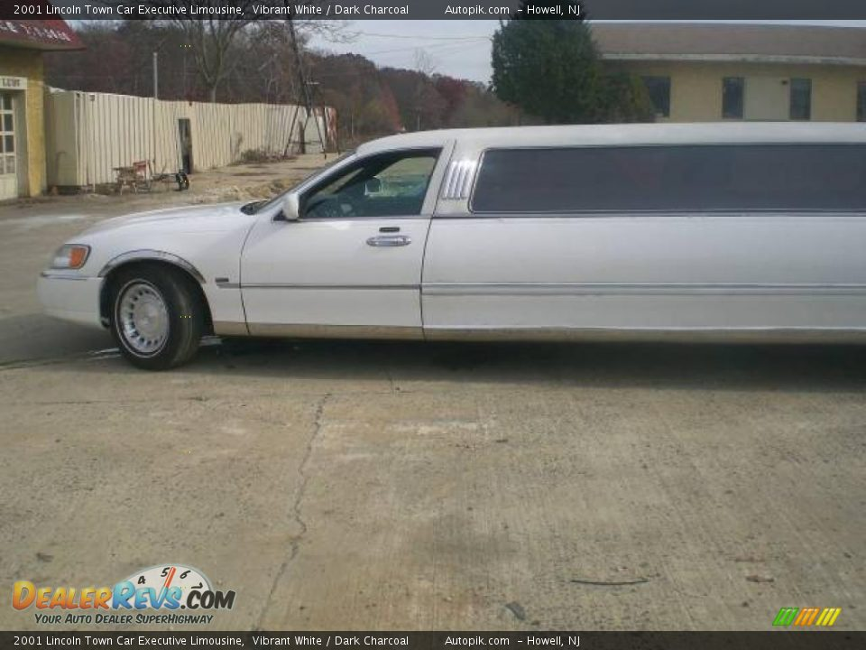 2001 lincoln town car executive limousine vibrant white for State motors lincoln dealer manchester nh