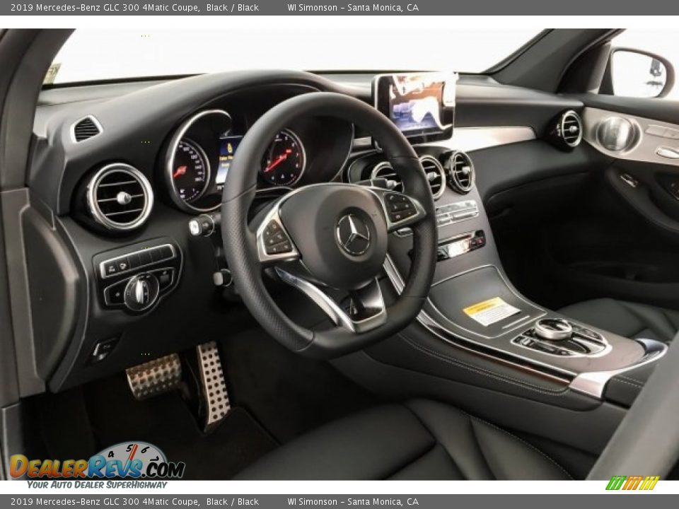 Dashboard of 2019 Mercedes-Benz GLC 300 4Matic Coupe Photo #4