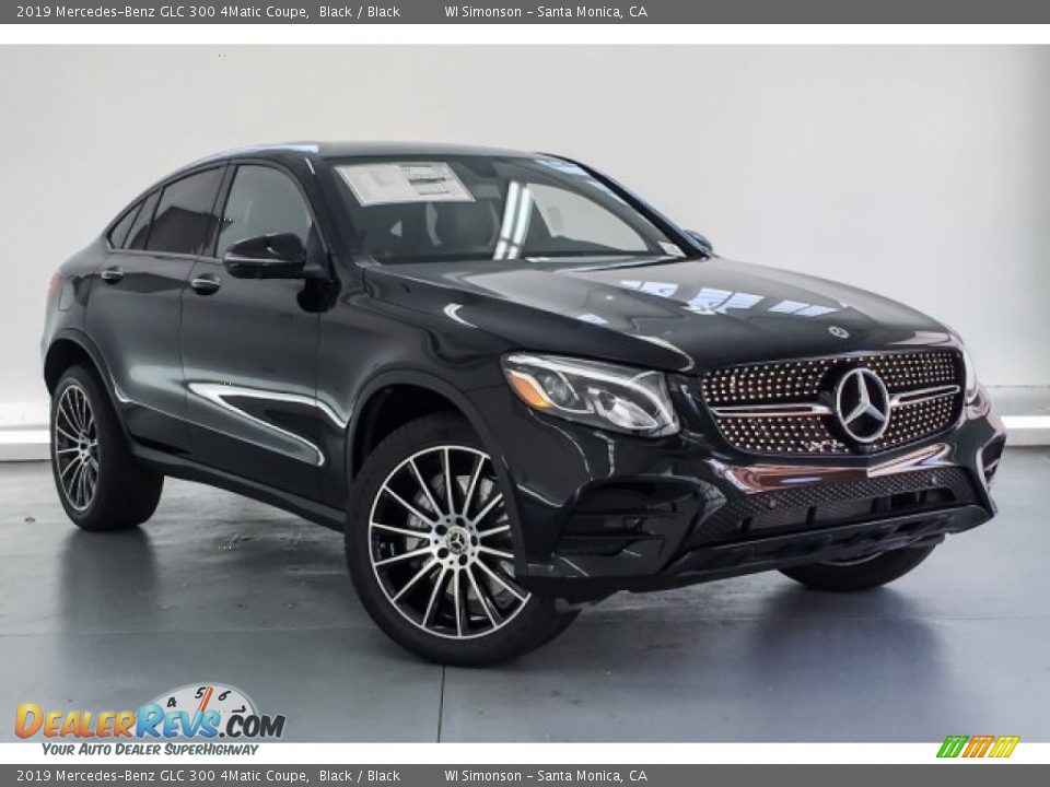 Front 3/4 View of 2019 Mercedes-Benz GLC 300 4Matic Coupe Photo #12