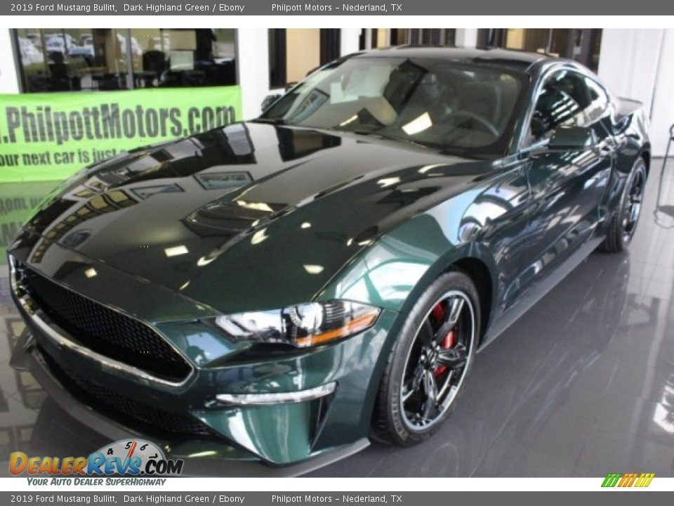 Front 3/4 View of 2019 Ford Mustang Bullitt Photo #3