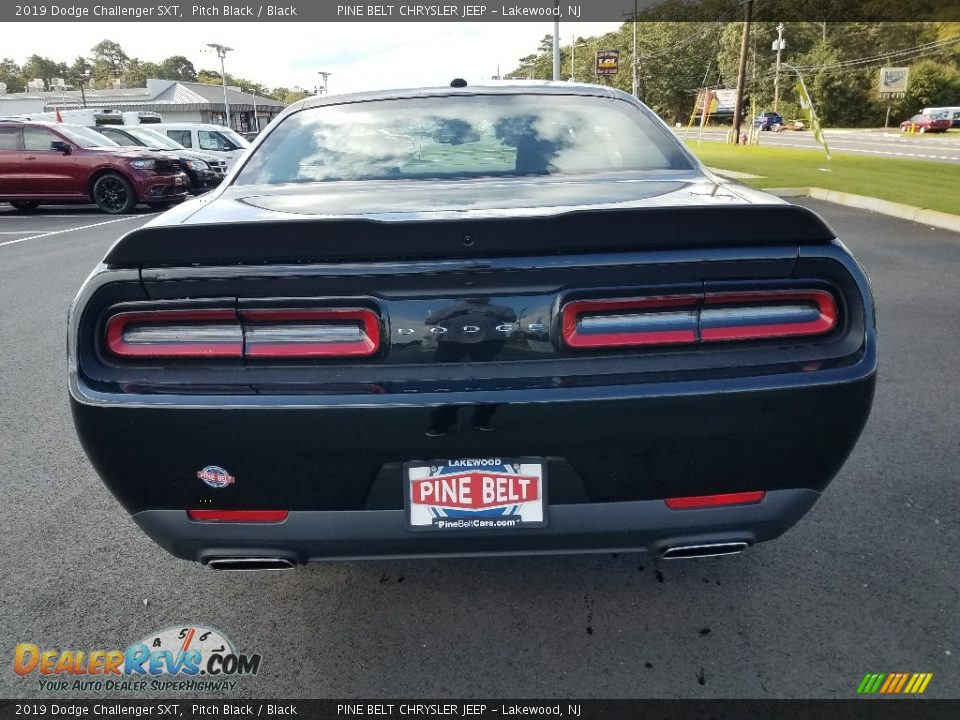 2019 Dodge Challenger SXT Pitch Black / Black Photo #5