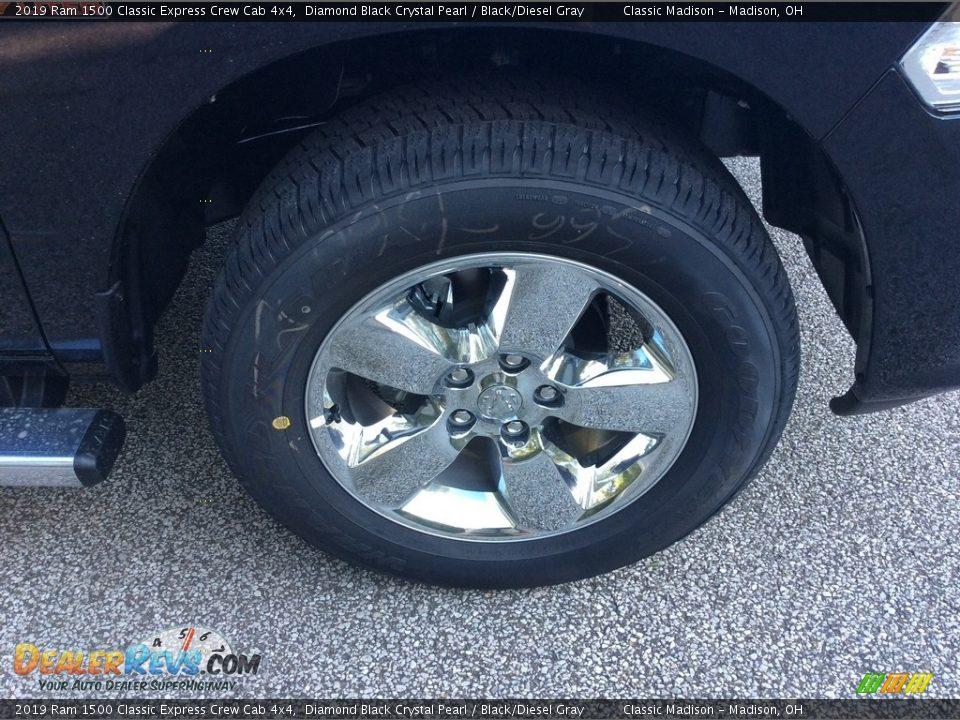 2019 Ram 1500 Classic Express Crew Cab 4x4 Diamond Black Crystal Pearl / Black/Diesel Gray Photo #7