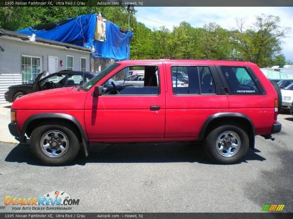 1995 Nissan Pathfinder Xe Ultra Red Gray Photo 4