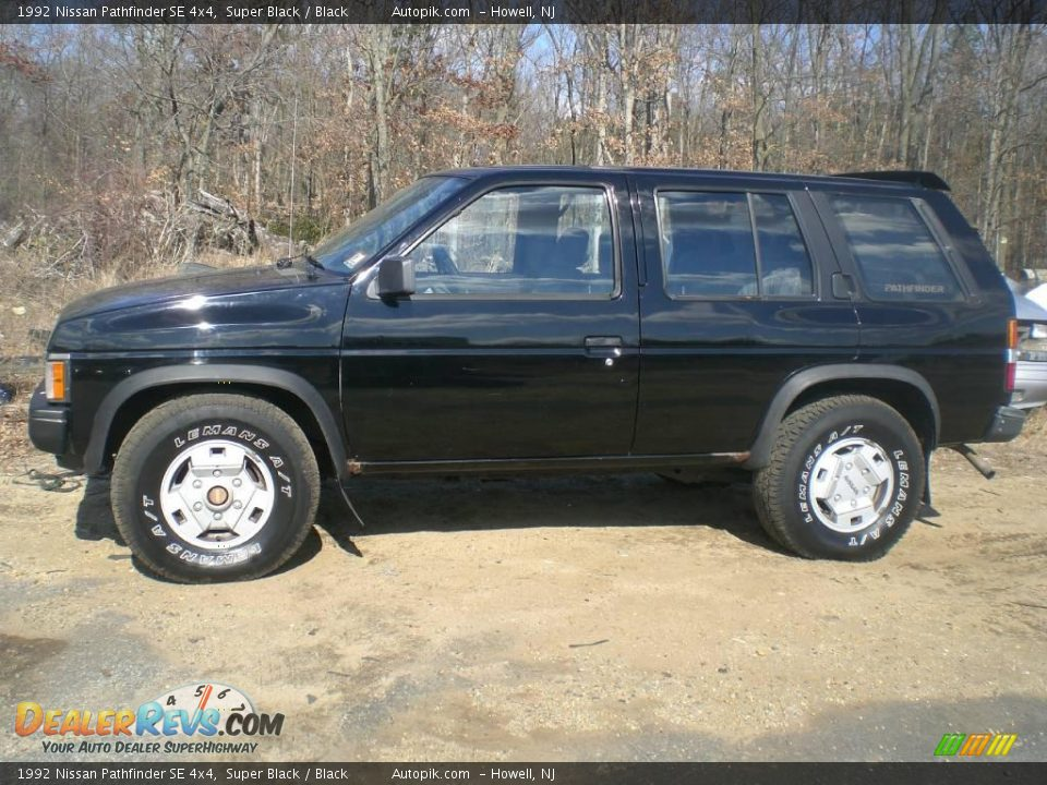 1992 nissan pathfinder se 4x4 super black black photo 4. Black Bedroom Furniture Sets. Home Design Ideas