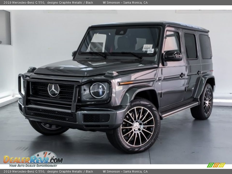 Front 3/4 View of 2019 Mercedes-Benz G 550 Photo #12