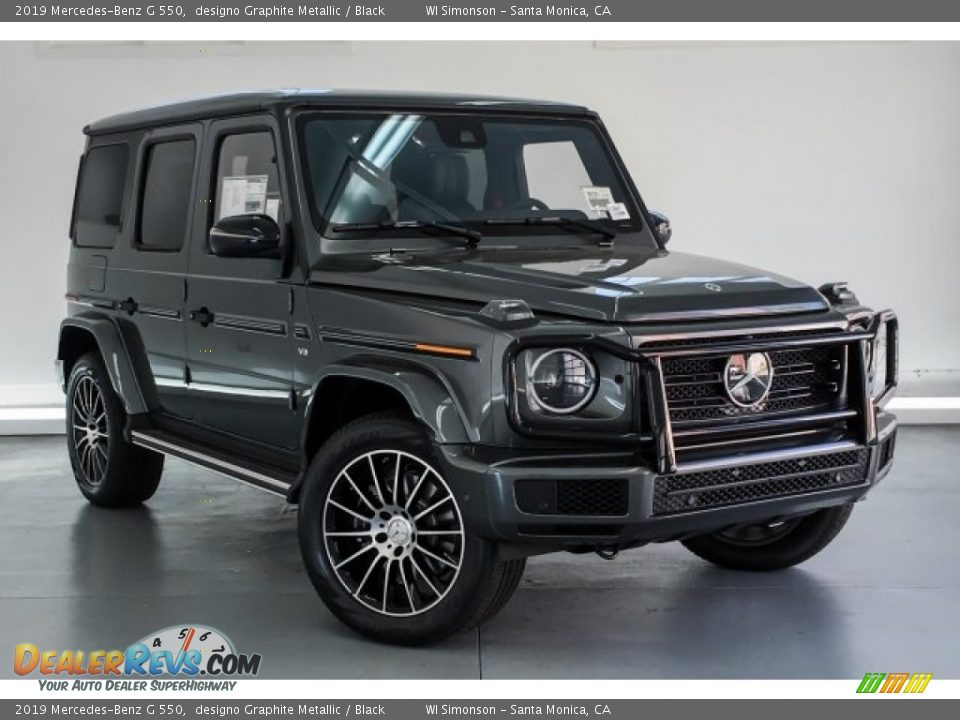 Front 3/4 View of 2019 Mercedes-Benz G 550 Photo #14