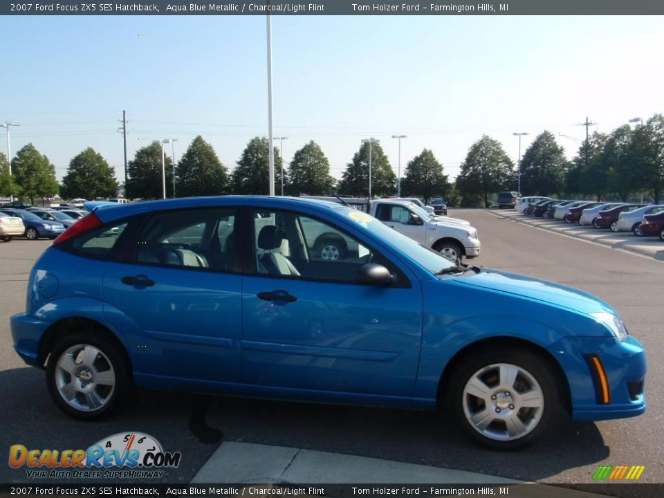 2007 ford focus zx5 ses hatchback aqua blue metallic. Black Bedroom Furniture Sets. Home Design Ideas