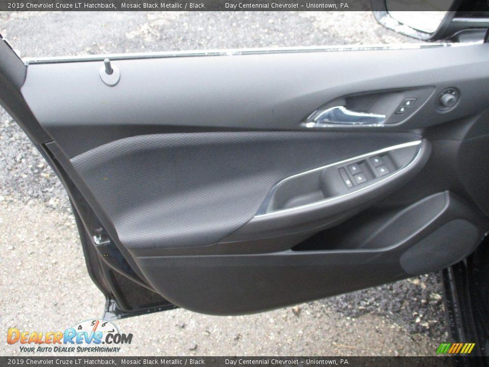 2019 Chevrolet Cruze LT Hatchback Mosaic Black Metallic / Black Photo #5