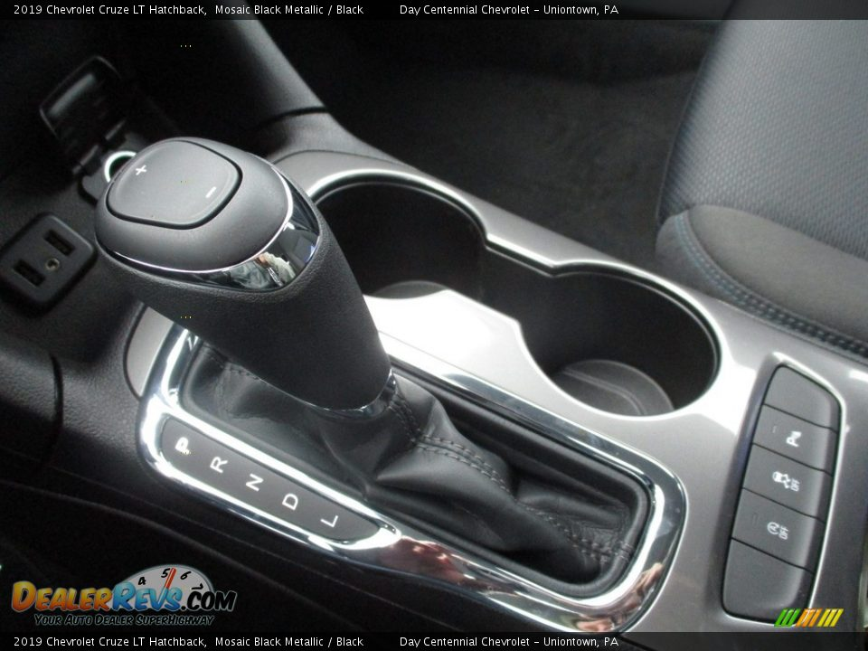 2019 Chevrolet Cruze LT Hatchback Shifter Photo #10