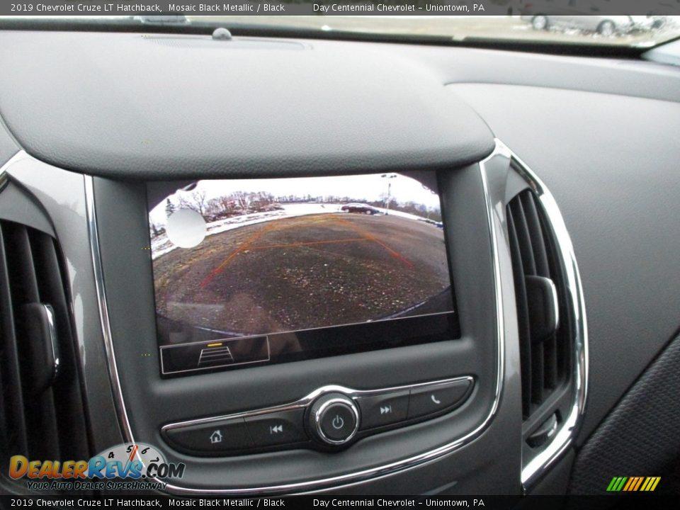 2019 Chevrolet Cruze LT Hatchback Mosaic Black Metallic / Black Photo #11