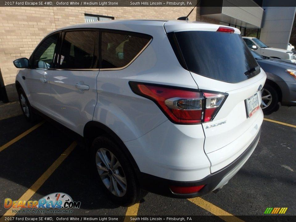 2017 Ford Escape SE 4WD Oxford White / Medium Light Stone Photo #2