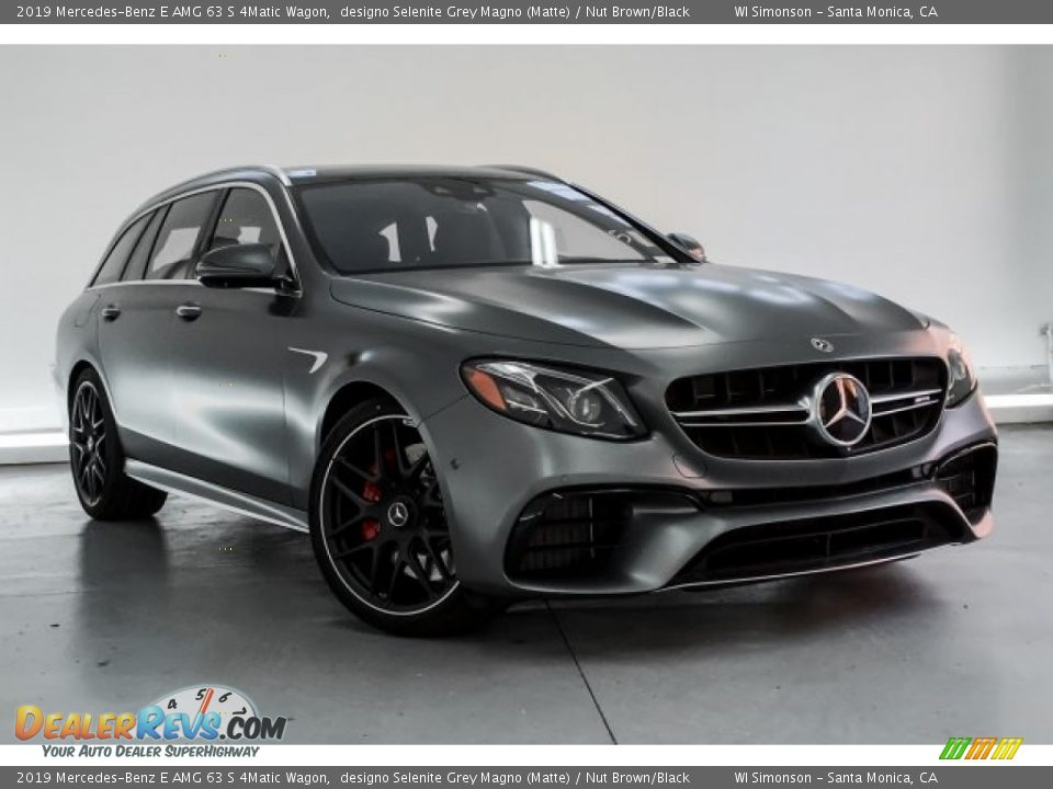 Front 3/4 View of 2019 Mercedes-Benz E AMG 63 S 4Matic Wagon Photo #12