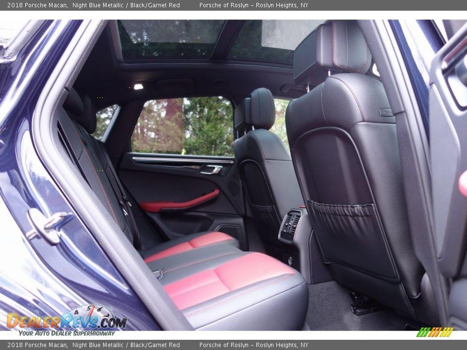 2018 Porsche Macan Night Blue Metallic / Black/Garnet Red Photo #19